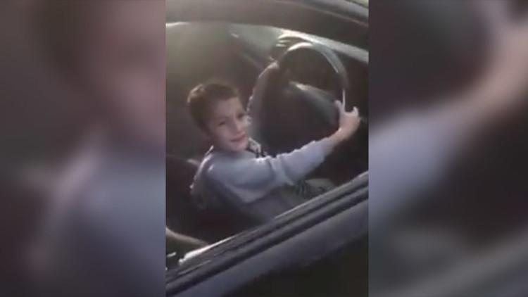 الشرطة الأسترالية تعتقل رجلا صوّر تفحيط طفله بسيارته