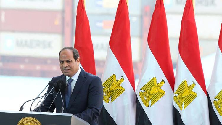 السيسي يعد المصريين بمزيد من فرص العمل محاولا ثنيهم عن الهجرة غير الشرعية