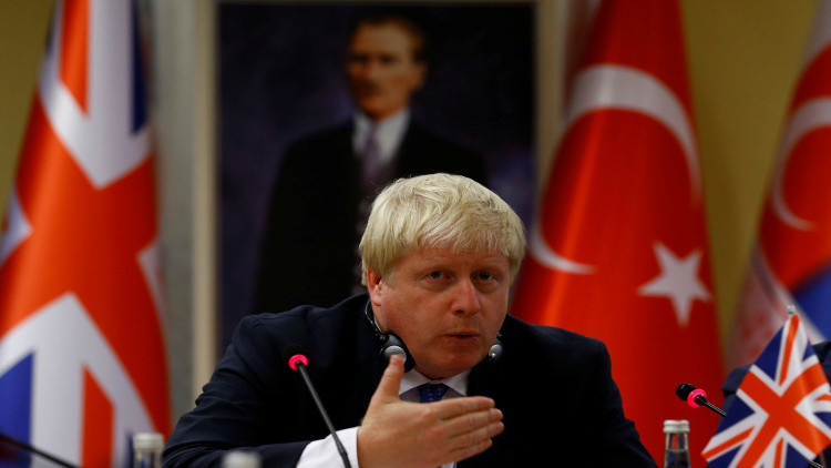 جونسون يصف قصيدة هاجم فيها أردوغان بـ