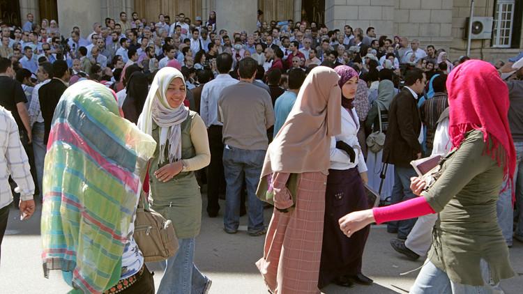 نائب مصري: على كل جامعية أن تثبت أنها عذراء!