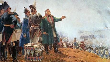 لوحة فنية للجنرال ميخائيل كوتوزوف وسط قواته في ساحة معركة بورودينو عام 1812