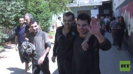 إطلاق سراح موقوفين بموجب اتفاق حي الوعر
