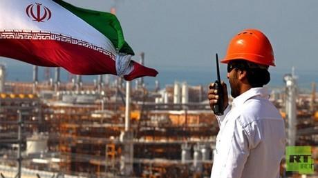 طهران تزيد واردات النفط لآسيا 81% خلال أغسطس
