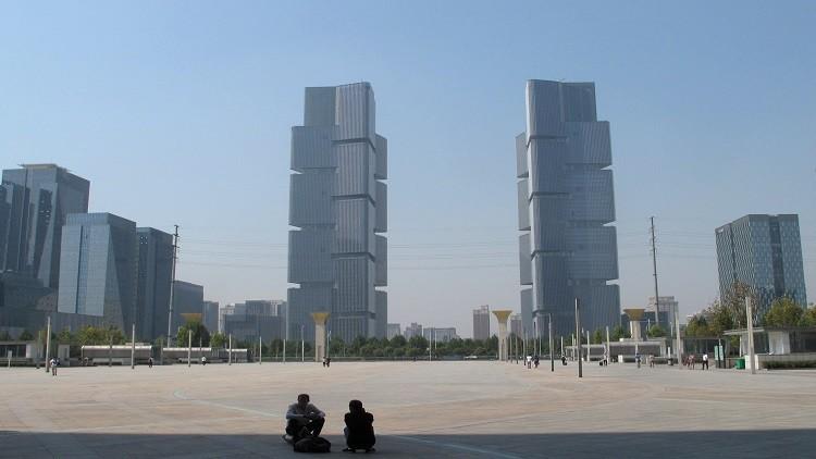 مدن صينية تفرض قيودا على العقارات