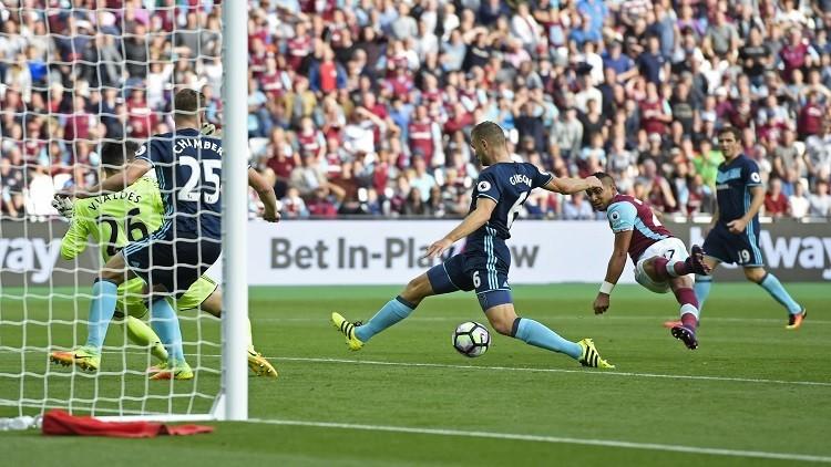 باييت يسجل هدفا مارادونيا في الدوري الإنجليزي