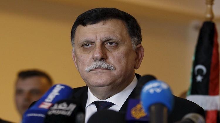 السراج في الجزائر.. واجتماع دولي بشأن ليبيا في باريس