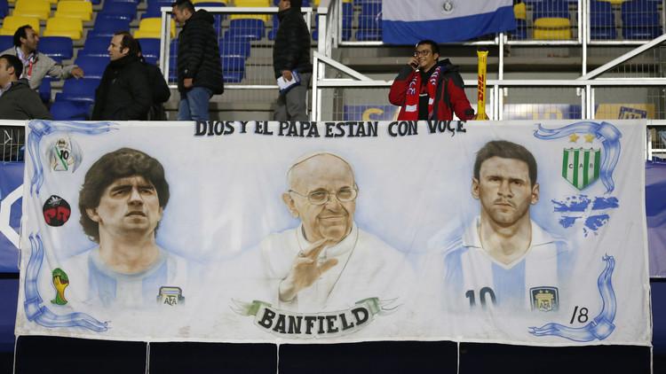 مارادونا يختار لاعبا إماراتيا للمشاركة في مباراة دولية للسلام