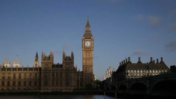 نواب بريطانيون يطالبون بعقد جلسة طارئة لبحث تنفيذ عمل عسكري في سوريا