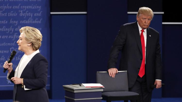 كلينتون تتهم الكرملين بالتدخل في الانتخاباتوترامب يصف ذلك بالكذب