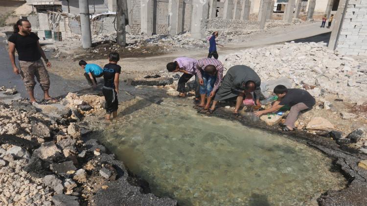 أهالي حلب يتفقون مع الأطراف المتقاتلة على تحييد محطات ضخ المياه