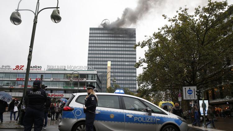 اندلاع حريق بمركز تجاري في برلين