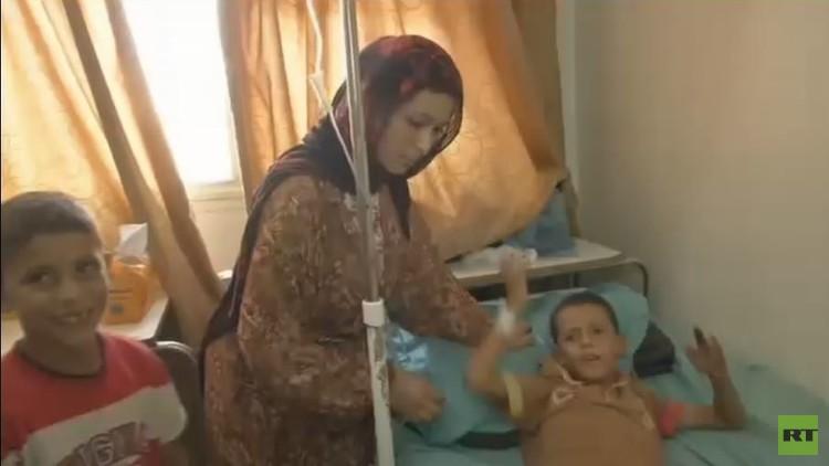 مأساة إنسانية.. طفل أصم وأبكم يفقد ساقيه بقصف في حلب!