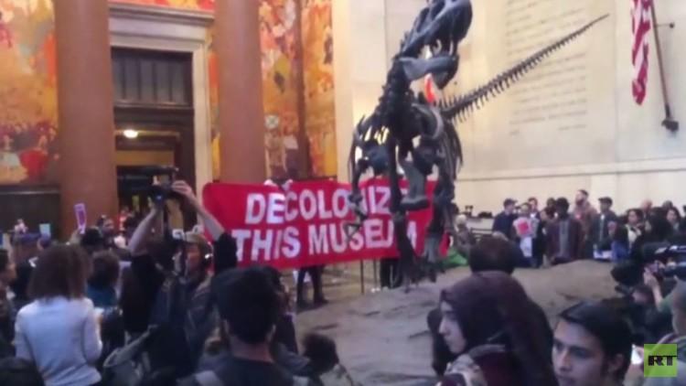 نشطاء مناهضون للاستيطان يقتحمون متحفا في نيويورك