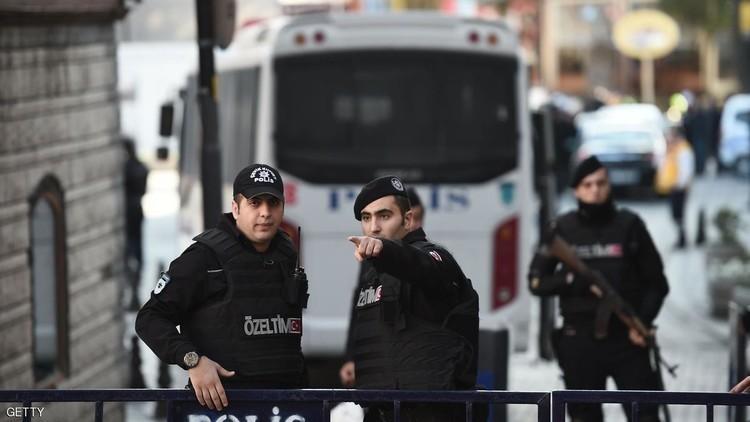 السلطات التركية تأمر باعتقال 215 عنصرا من الشرطة في تحقيق متصل بالانقلاب