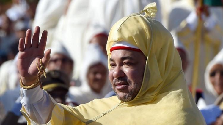 العاهل المغربي ينتقد إدارة البلاد خلال افتتاحه دورة البرلمان