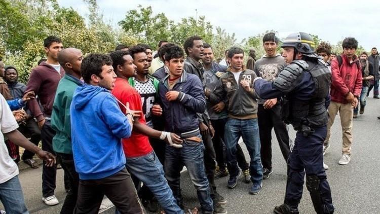 الشرطة الفرنسية تروع المهاجرين في كاليه