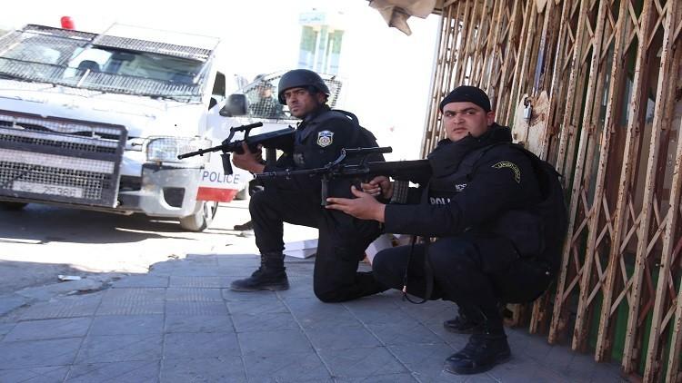 بريطانيا ترسل 40 عسكريا إلى تونس للتصدي لداعش