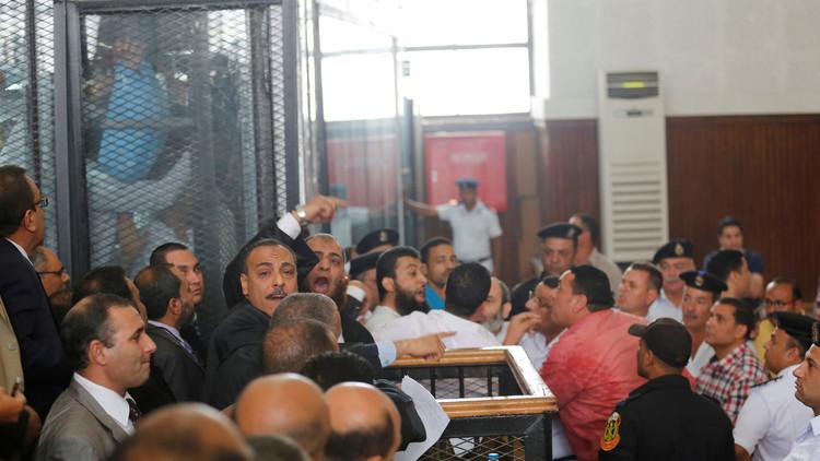 سجن 19 مصريا سنتين بتهمة إهانة القضاء