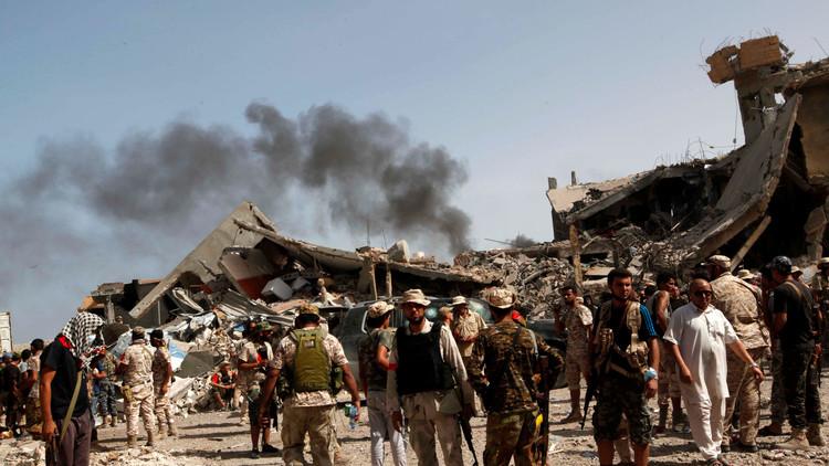 عشرات الغارات الأمريكية على سرت الليبية