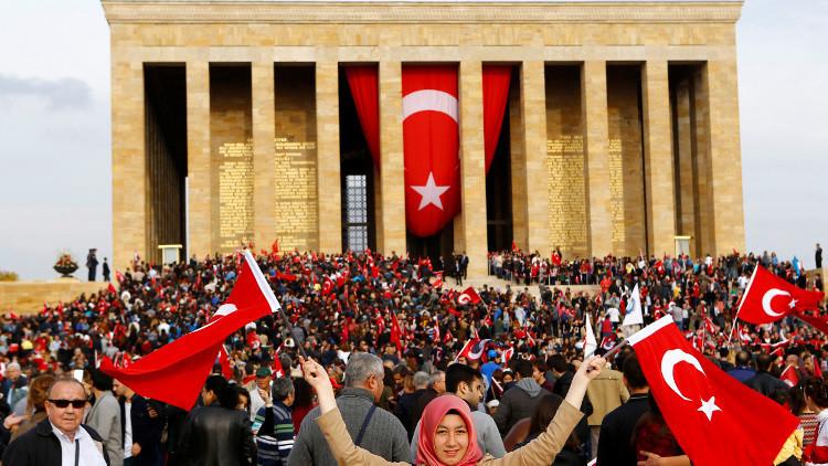 استفتاء حول دستور جديد قد يجري بتركيا في أبريل