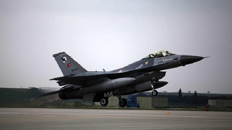 طائرات تركية تقصف قريتين قرب عفرين في سوريا
