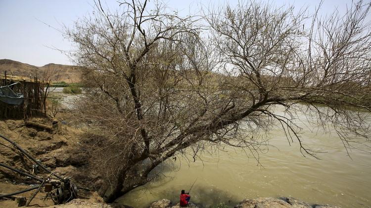 السودان.. مصرع 19 شخصا بينهم 9 أطفال ونساء خلال عبورهم مجرى مائيا