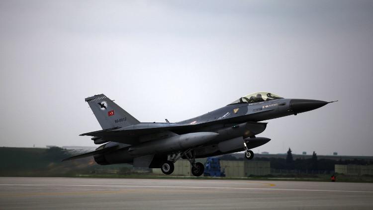 تركيا تدمر مواقع لداعش وللأكراد في سوريا