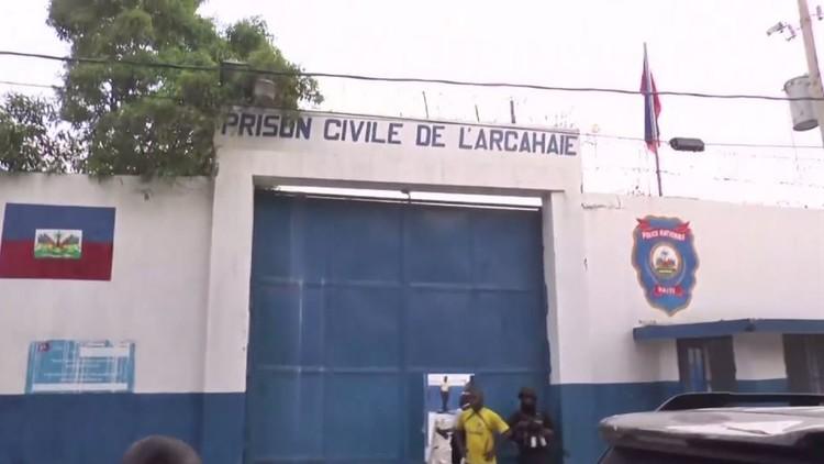 فرار 174 نزيلا من سـجن مدينة أركيه شمال هايتي