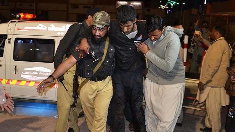 باكستان.. مسلحون يقتحمون كلية تدريب للشرطة ويحتجزون أكثر من 200 عنصر