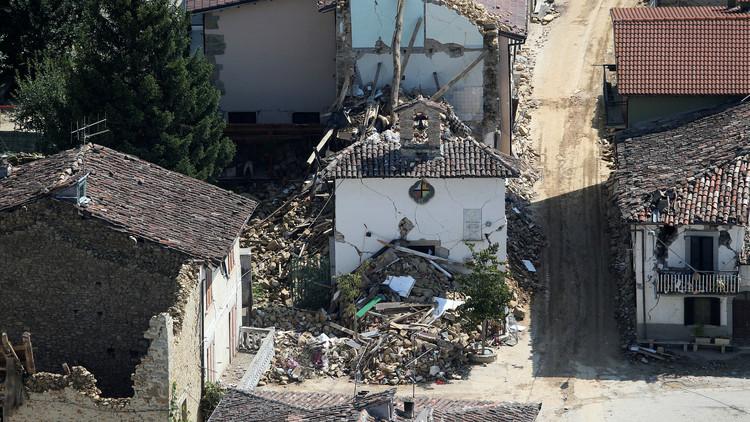 هزة أرضية وسط إيطاليا بقوة 6.3 على مقياس ريختر