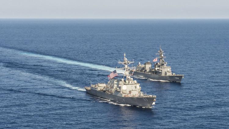 البحرية الأمريكية: اعترضنا أربع شحنات أسلحة إيرانية إلى اليمن