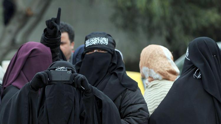تفكيك خلية إرهابية نسائية في تونس