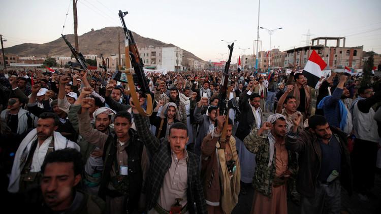 الحوثيون يصعِّدون ويستهدفون العمق السعودي
