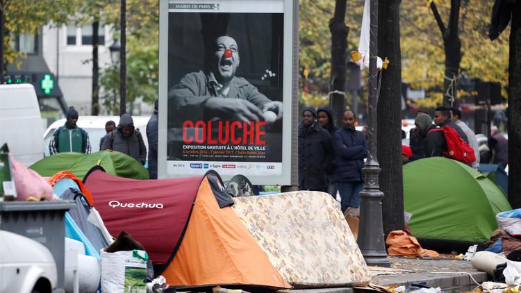 اللاجئون من عشوائيات كاليه إلى خيام  في شوارع باريس