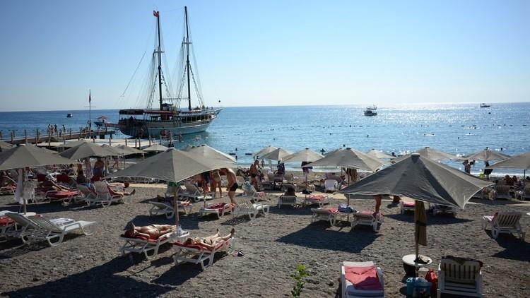 تراجع السياحة التركية إلى الثلث خلال 2016