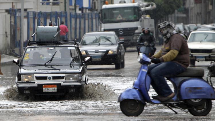 ارتفاع حصيلة ضحايا السيول في مصر إلى 26 قتيلا