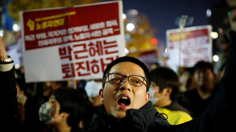 احتجاجات في سيئول تطالب باستقالة رئيسة البلاد