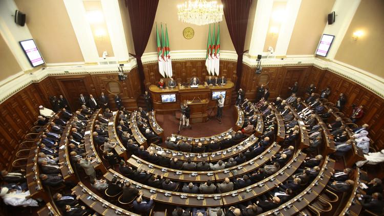 الجزائر: تغييرات في الحزب الحاكم استعدادا للاستحقاقات المقبلة