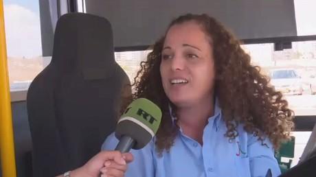 سائقة فلسطينية لحافلة عمومية