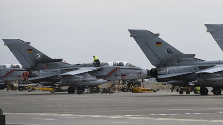 الطائرات الألمانية في قاعدة