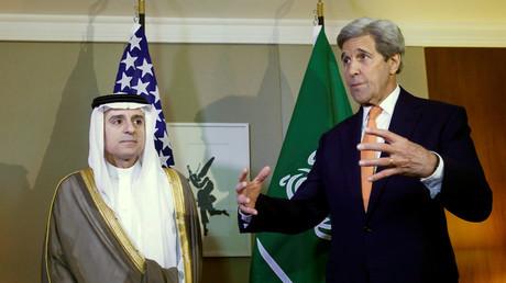 وزير الخارجية الأمريكي جون كيري ونظيره السعودي عادل الجبير
