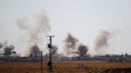 دخان كثيف بعد قصف مدينة تل رفعت شمال حلب