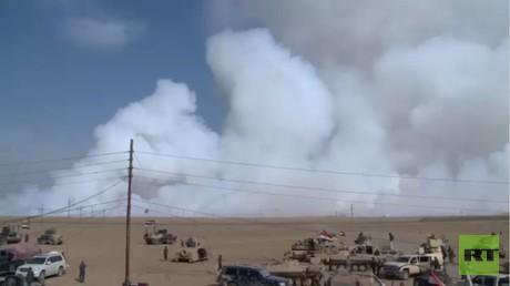 """""""داعش"""" يحرق آبارا نفطية جنوب الموصل"""