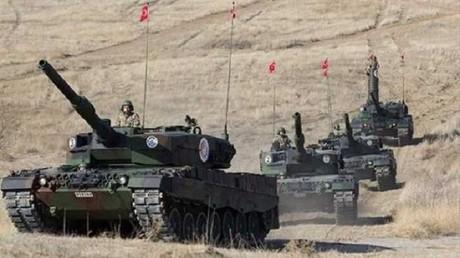 القوات التركية تقصف مواقع أكراد سوريا