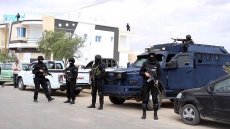 عناصر من القوات التونسية