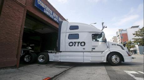 شاحنة أوبر ذاتية القيادة تنجز أولى مهامها