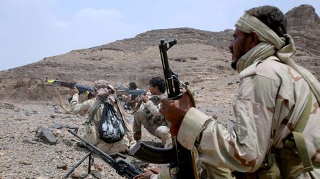 قوات موالية للرئيس هادي يهاجمون مواقع للحوثيين في محافظة مأرب - أرشيف