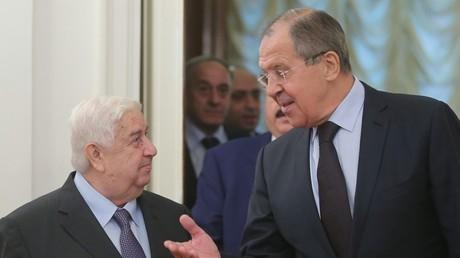 وزيرا الخارجية الروسي سيرغي لافروف والسوري وليد المعلم