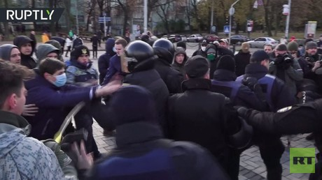 احتدام الاشتباكات بين القوميين ومؤيدي شرعنة القنب في كييف