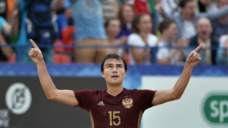 روسيا تفوز على مصر على شواطئ دبي